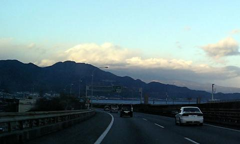 由比から富士山を望む